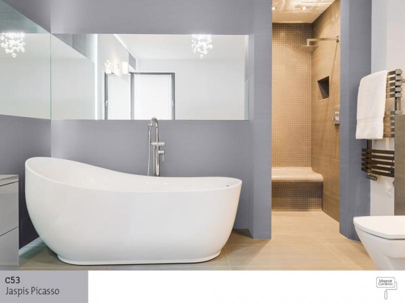 Návrh řešení koupelny (bílá keramika a šedé stěny)